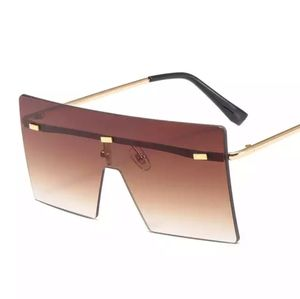 ☘ OVERSIZED LUXURY FASHION SQUARE SUNGLASS…